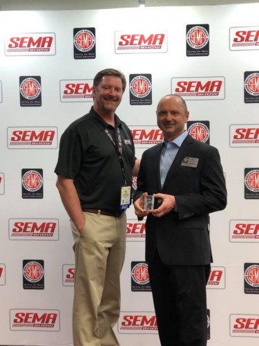 Davies Craig Receives Global Media Award At Sema